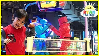 Download Ryan plays giant Life size Rock 'em Sock 'em Robots Game Video