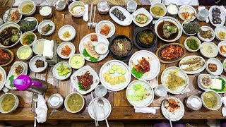 Download KOREAN FEAST in Jeonju Hanok Village Video