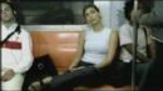 Download metroda kadın yazık çocuğa Video