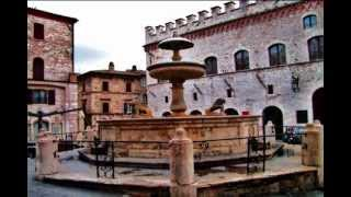 Download The Streets of Assisi, Italy Video