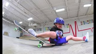 Download 5 YEAR OLD DOES THE SPLITS ON SKATEBOARD! Video