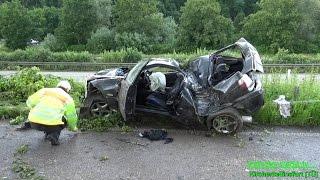 Download BMW-Fahrer verliert Kontrolle über sein PKW | SCHWERER UNFALL AUF B27 - Feuerwehr befreit Lenker [E] Video
