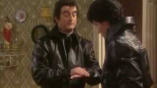 Download Father Ted - s01e04 - Competition Time(part 1) Video
