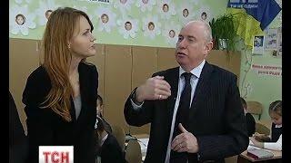 Download Зарплати та навчання: що і чому шокувало англійського вчителя у звичайній київській школі Video