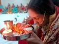 Download करवा चौथ पूजा के थाल मे रखे सामान का महत्व कया है जाने Video