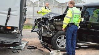 Download Mercedes-Benz G-Class Crash, Safest car at Cor Millenaar.G-Klasse, de veiligste auto ter wereld! Video