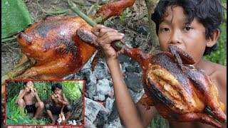 Download Primitive Technology - Cooking chicken and eating delicious Video
