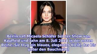 Download Micaela Schäfer zeigt sich mit blonden Haaren und oben ohne Video