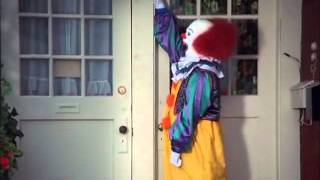 Download IT hilarious scene with Pennywise Video