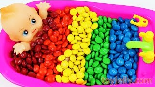 Download Baby Doll Bath Time Learn Colors M&Ms Nursery Rhymes Finger Family Song Bubble Gum Pez Color Song Video