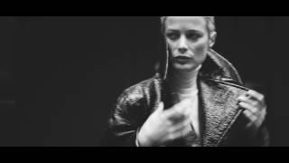 Download Italian Vogue PETER LINDBERGH ″WALKING″ Video