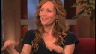 Download Leslie Mann on Zac's onscreen kiss Video