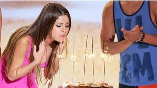 Download Selena Gomez Celebrates Birthday at Teen Choice and Dinner With Justin Bieber Video
