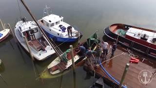 Download Gezonken bootje bergen in de Biesbosch Video