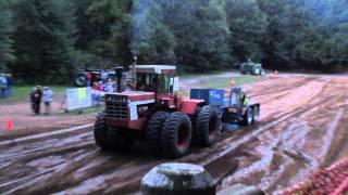 Download International Harvester 4586 V8 4x4 full pull at Lynden Video