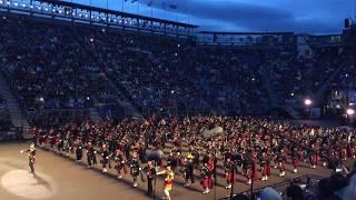 Download Edinburgh Military Tattoo 2017 Opening march エディンバラ・ミリタリー・タトゥー バグパイプ隊の入場大行進 Video