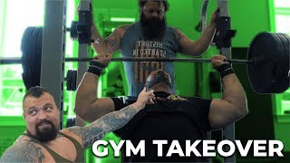 Download WORLDS STRONGEST MEN TAKE OVER PUBLIC GYM Video