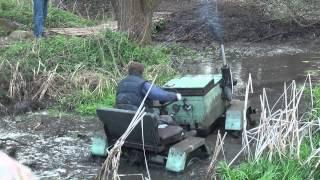 Download Traktoriáda Boudy 2014 - groteska Video