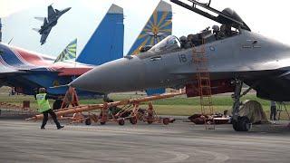 Download SU-30 MKM DISPLAY, AIRSHOW LIMA 2017 LANGKAWI, MALAISIE Video