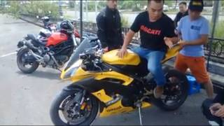 Download Lão làng chơi Moto hướng dẫn khi vào cua trong Moto Phân khối lớn trên chiếc Yamaha YZF-R6. Video