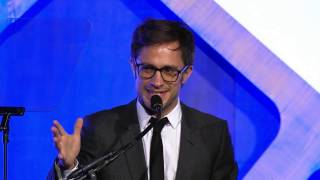 Download Gael Garcia Bernal presents the cast of MOONLIGHT with a Special Jury Award for Ensemble Performance Video