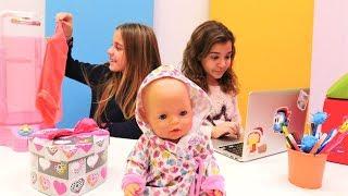 Download Bebeğe yeni duş siparişi veriyoruz. Kız oyuncakları Video