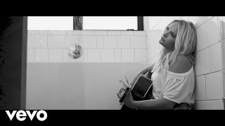 Download Miranda Lambert - Tin Man (Unplugged) Video