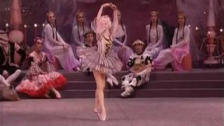 Download Tchaikowsky - Nutcracker Ballet: Dance of the Mirlitons - Kirov Ballet Video