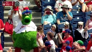 Download ARI@PHI: Phanatic meets nuns, sits with a young fan Video