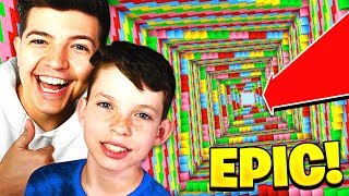 Download PLAYING MINECRAFT DROPPER with MY LITTLE BROTHER! Video
