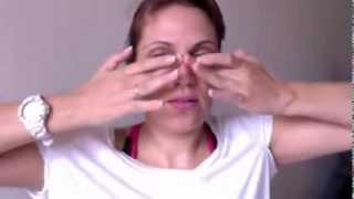 Download Massagem rejuvenescedora e limpeza de pele usando chá verde e azeite. Video