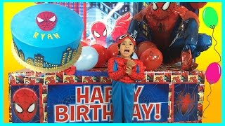 Download GIANT SURPRISE BOX OPENING with Spiderman Power Wheels Ride-On Video