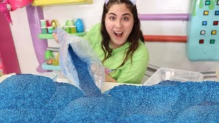 Download ADDING GIANT BAGS OF GLITTER INTO SLIME ! Slimeatory #565 Video