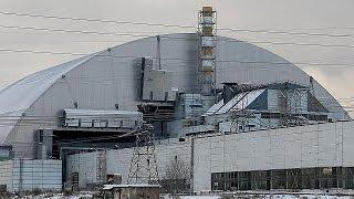 Download 30 ans après le drame, Tchernobyl sous cloche Video