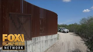 Download Immigration officials to release 1.8K migrants into the US: Report Video