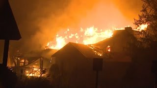 Download Dolly Parton Is 'Heartbroken' Over Tennessee Wildfire Raging Near Dollywood Video