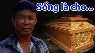 Download Đầu năm gặp người làm từ thiện hào sảng nhất Sài Gòn | Gần 20 năm an táng miễn phí - Guufood Video