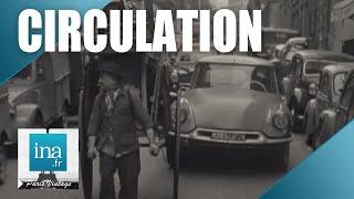 Download 1961 : Paris interdit les voitures à bras | Archive INA Video