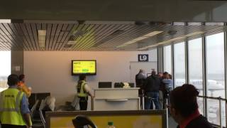 Download How to get arrested at Chicago airport Video