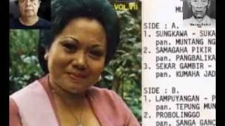 Download Anggangna Kamelang & Kudu Kasaha - Euis Komariah (Akoer Lah) Video