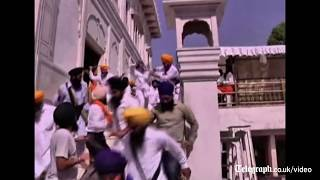 Download Sword fight breaks out at Indian shrine Video