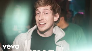 Download Asher Roth - I Love College Video