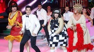 Download Roko, Xuso Jones, Miki Nadal y Llum Barrera cantan You Can't Stop The Beat de Hairspray en TCMS Mini Video