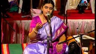Download Jhini Jhini Vaje Been (Shridhar Phadke Sangeet Sandhya - Ritu Hirwa) Video