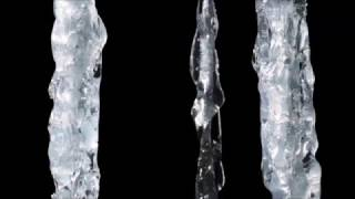 Download How to make realistic icicles out of hot glue Video