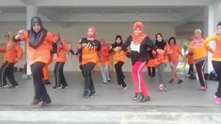 Download Ayo goyang dumang... line dance Video