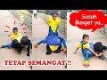 Download Lucu, Anak KECIL pakai kostum badut keGEDEan Video