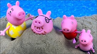 Download STORY WITH PEPPA PIG, GEORGE AND THEIR FAMILY AT BEACH MAKING SANDCASTLES WITH KINETIC SAND Video