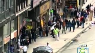 Download PORNO EN LAS CALLES DE BOGOTA Video
