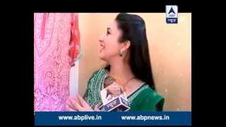 Download Divyanka takes SBS inside her make-up room Video